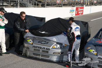 Hendrick Motorsports' 25th anniversary season car unveiling event: Jimmie Johnson unveils his car