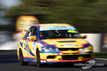 #43 Easts Holiday Parks, Mitsubishi Lancer Evo IX: David Wall, Des Wall, Trevor Symonds