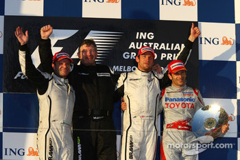 Podium: race winner Jenson Button, Brawn GP, second place Rubens Barrichello, Brawn GP, third place Jarno Trulli, Toyota Racing, and Ross Brawn, Brawn Grand Prix Team Principal