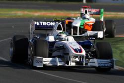 Nick Heidfeld, BMW Sauber F1 Team, F1.09 leads Adrian Sutil, Force India F1 Team