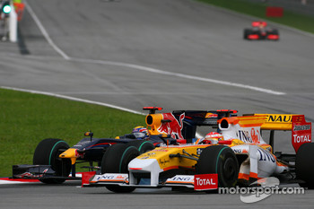 Mark Webber, Red Bull Racing and Fernando Alonso, Renault F1 Team