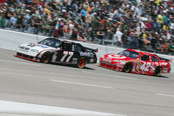 Sam Hornish Jr., Penske Racing Dodge, Juan Pablo Montoya, Earnhardt Ganassi Racing Chevrolet