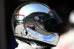 McLaren mechanic, helmet, Felipe Massa, Scuderia Ferrari