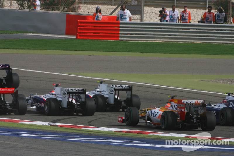 Start: Robert Kubica, BMW Sauber F1 Team and Nelson A. Piquet, Renault F1 Team