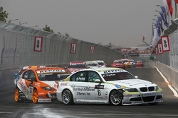 Augusto Farfus, BMW Team Germany, BMW 320si and Tom Coronel, SUNRED Engineering, Seat Leon 2.0 TFSI