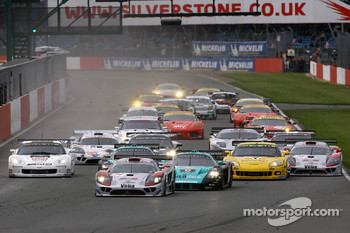 Start: #14 K plus K Motorsport Saleen S7R: Karl Wendlinger, Ryan Sharp leads the field