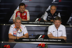 FIA press conference: Aldo Costa, Scuderia Ferrari, Pat Symonds, Renault F1 Team, Executive Director of Engineering, Patrick Head, Williams F1 Team, Director of Engineering an Ross Brawn, Brawn GP, Team Principal