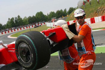 Car of Jarno Trulli, Toyota F1 Team after crashing, crash
