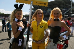 Playboy bunnies on the grid