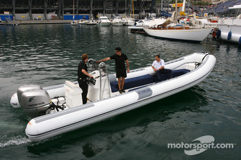 Dr. Mario Theissen, BMW Sauber F1 Team, BMW Motorsport Director goes to the FOTA meeting on Flavio Briatore yacht