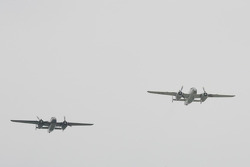 Pre race flyover of vintage B29 Bombers