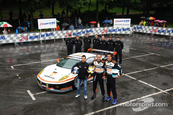 Hankook Farnbacher team photoshoot