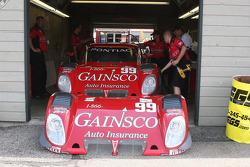 Work on the #99 GAINSCO/ Bob Stallings Racing Pontiac Riley: Jon Fogarty, Alex Gurney