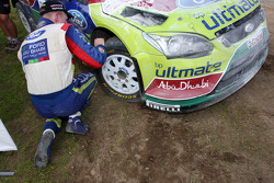 Jari-Matti Latvala, Ford Focus RS WRC08, BP Ford Abu Dhabi World Rally Team crashes in the final stage