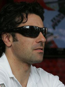 Autograph session: Dario Franchitti, Target Chip Ganassi Racing