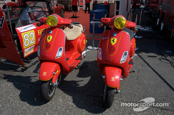 Risi Competizione Vespa scooters