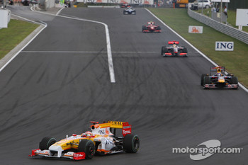 Fernando Alonso, Renault F1 Team, Mark Webber, Red Bull Racing, Lewis Hamilton, McLaren Mercedes
