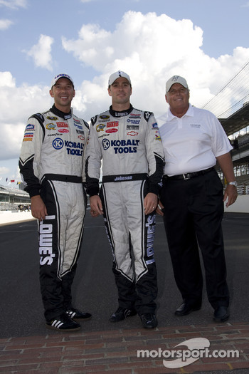 Race winner Jimmie Johnson, Hendrick Motorsports Chevrolet celebrates with crew chief Chad Knaus and car owner Rick Hendrick