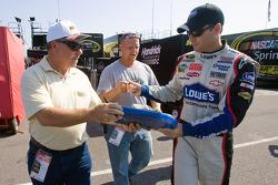 Jimmie Johnson, Hendrick Motorsports Chevrolet, signs autographs