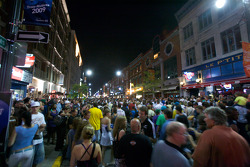 A massive crowd on Saturday night in downtown Trois-Rivières to celebrate the Grand Prix and the 375th anniversary of the city