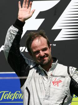 Podium: race winner Rubens Barrichello, BrawnGP