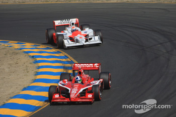 Dario Franchitti, Target Chip Ganassi Racing leads Ryan Briscoe, Team Penske