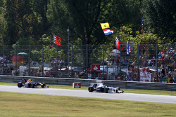Robert Kubica, BMW Sauber F1 Team leads Sebastian Vettel, Red Bull Racing