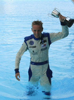 Max Chilton in the pool