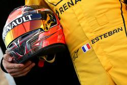 Helmet of Esteban Ocon, Renault Sport F1 Team Test Driver