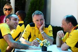 Cyril Abiteboul, Renault Sport F1 Managing Director, Bob Bell, Renault Sport F1 Team Chief Technical Officer and Frederic Vasseur, Renault Sport F1 Team Racing Director