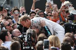 Winner Nico Rosberg, Mercedes AMG F1 Team in parc ferme