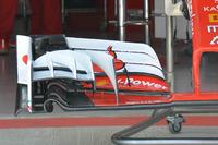 Yeni Ferrari SF16-H ön kanat detay