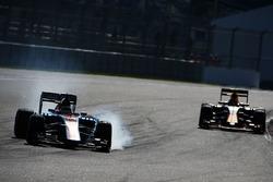 Pascal Wehrlein, Manor Racing MRT05 locks up under braking