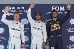 Поул - Льюїс Хемілтон, Mercedes AMG F1 W07, 2й - Ніко Росберг, Mercedes AMG F1 W07, та 3-й Даніель Ріккардо, Red Bull Racing RB12