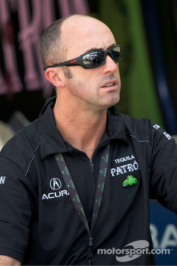 David Brabham heads back to the paddock after the crash of the #9 Patron Highcroft Racing Acura ARX-02a Acura