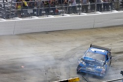 Martin Truex Jr., Earnhardt Ganassi Racing Chevrolet crashes