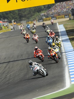 Jorge Lorenzo, Fiat Yamaha Team leads the field
