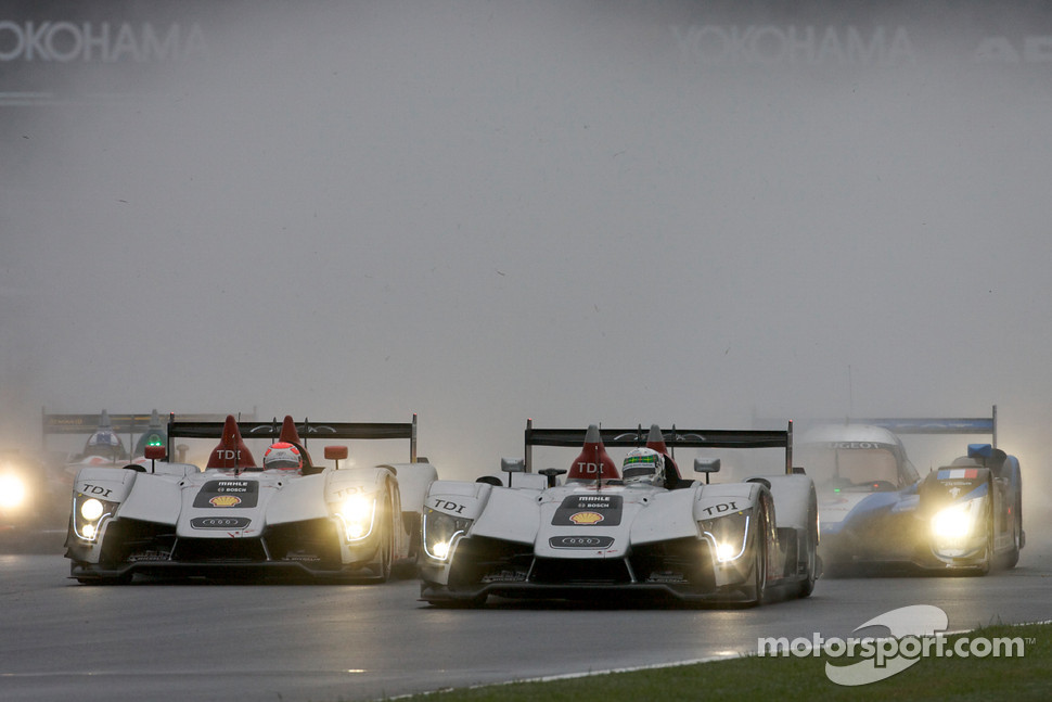 Start: #2 Audi Sport Team Joest Audi R15 TDI: Rinaldo Capello, Allan McNish, #1 Audi Sport North America Audi R15 TDI: Lucas Luhr, Marco Werner battle for the lead