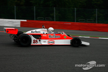 #26 Frank Lyons McLaren M26
