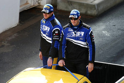 Driver Parade: #9 SP Tools Racing: Shane van Gisbergen, Alex Davison