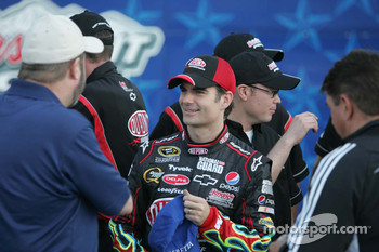 Jeff Gordon visits with Texas Motor Speedway President Eddie Gossage