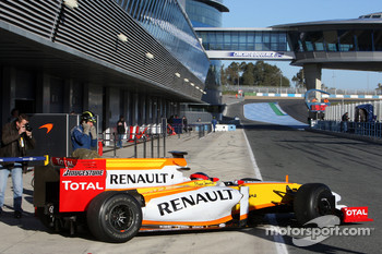 Bertrand Baguette Tests for the Renault F1 Team