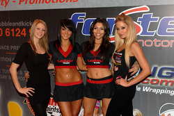 Team Caroline Promo girls