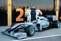 Nico Rosberg, Mercedes GP, Ross Brawn Team Principal, Mercedes GP, Michael Schumacher, Mercedes GP