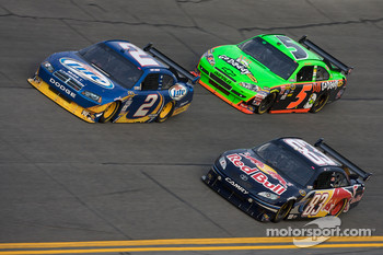 Kurt Busch, Penske Racing Dodge, Brian Vickers, Red Bull Racing Team Toyota, Mark Martin, Hendrick Motorsports Chevrolet