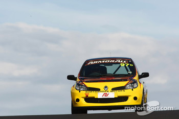 #97 Safe-T-Stop, Renault Clio 197: Richard Gartner, Mark Eddy, Ross Zampatti