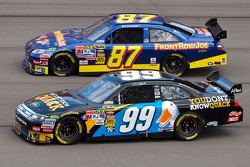 Carl Edwards, Roush Fenway Racing Ford and Joe Nemechek, NEMCO Motorsports Toyota
