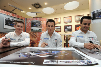 Autograph session with the Peugeot Sport drivers