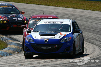 #32 i-MOTO Mazda Speed 3: Taylor Hacquard, Pierre Kleinubing