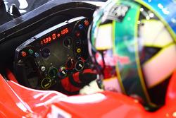 Lucas di Grassi, Virgin Racing steering wheel